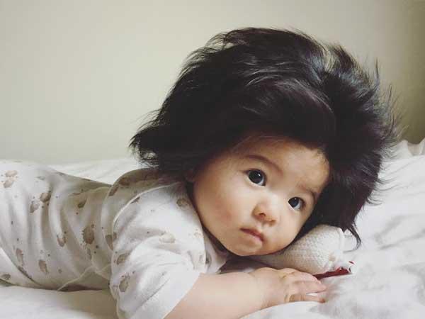 бебе-с-голяма-коса