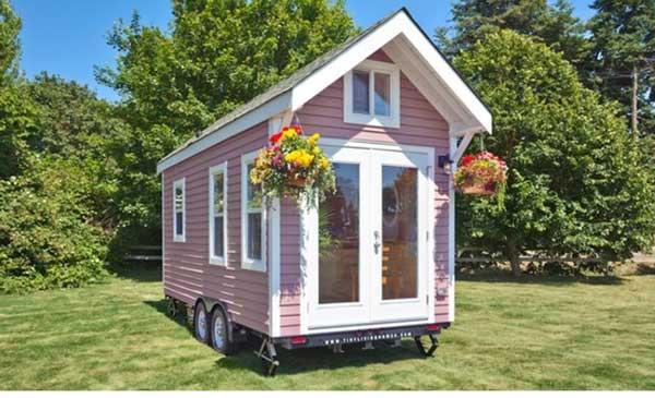 Дом-на-колело-от-само-15-км,-но-вижте-какъв-уют-е-вътре!