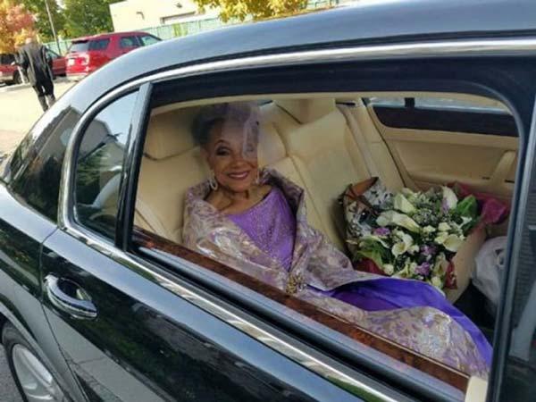 86-годишна-булка-възхитила-всички-с-роклята-си