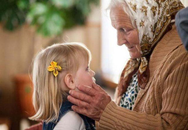 Ето-каква-е-ролята-на-бабата-в-живота-на-внуците-според-учените