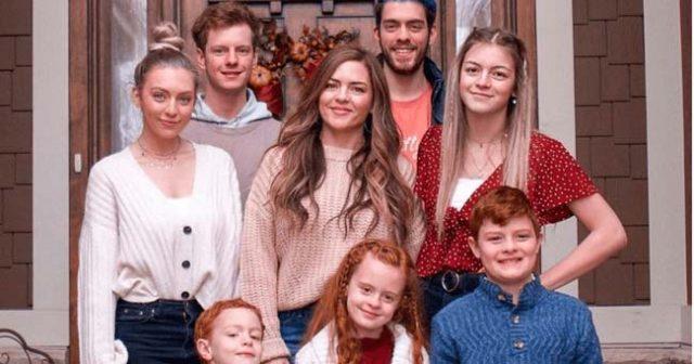 45-годишна-майка-на-седем-деца-изглежда-като-една-от-дъщерите-си!