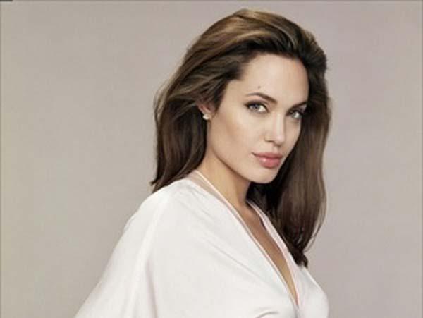 Красотата на Анджелина Джоли е подарък от мама