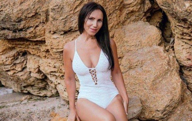 Тя-е-на-60!-Красавица-от-Одеса-покорява-световни-конкурси-по-красота