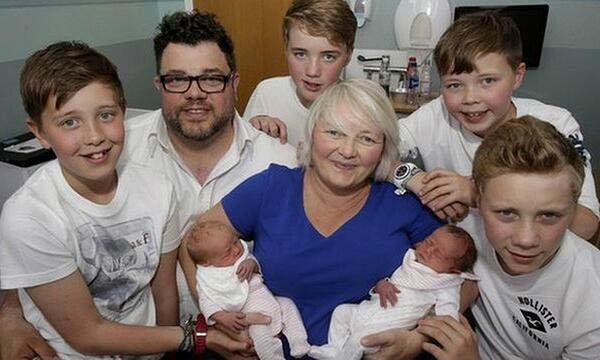 В това удивително семейство имат три двойки близнаци!