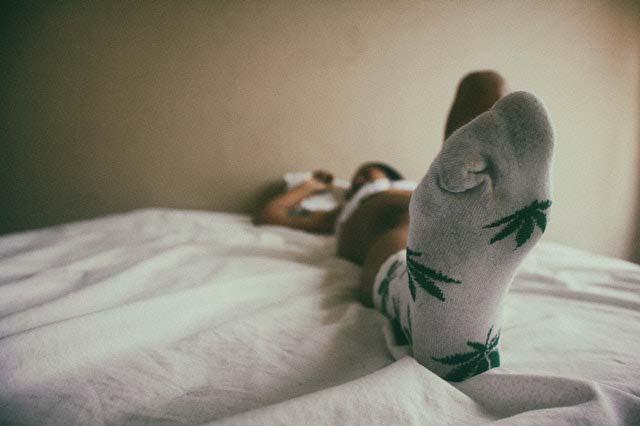 Ето защо е много полезно да спите с чорапи: