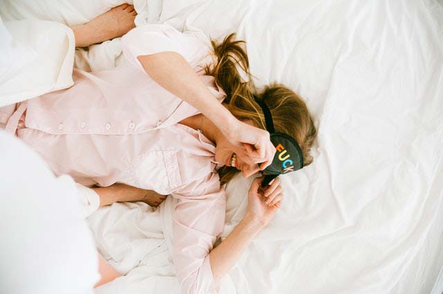 Умните хора живеят в безпорядък, псуват и спят до късно