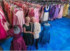 За 56 години брак мъж купил на жена си 55 хиляди рокли